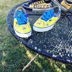 CUSTOM HAND PAINTED VANS DE LA SOL SIZE 10 MEN